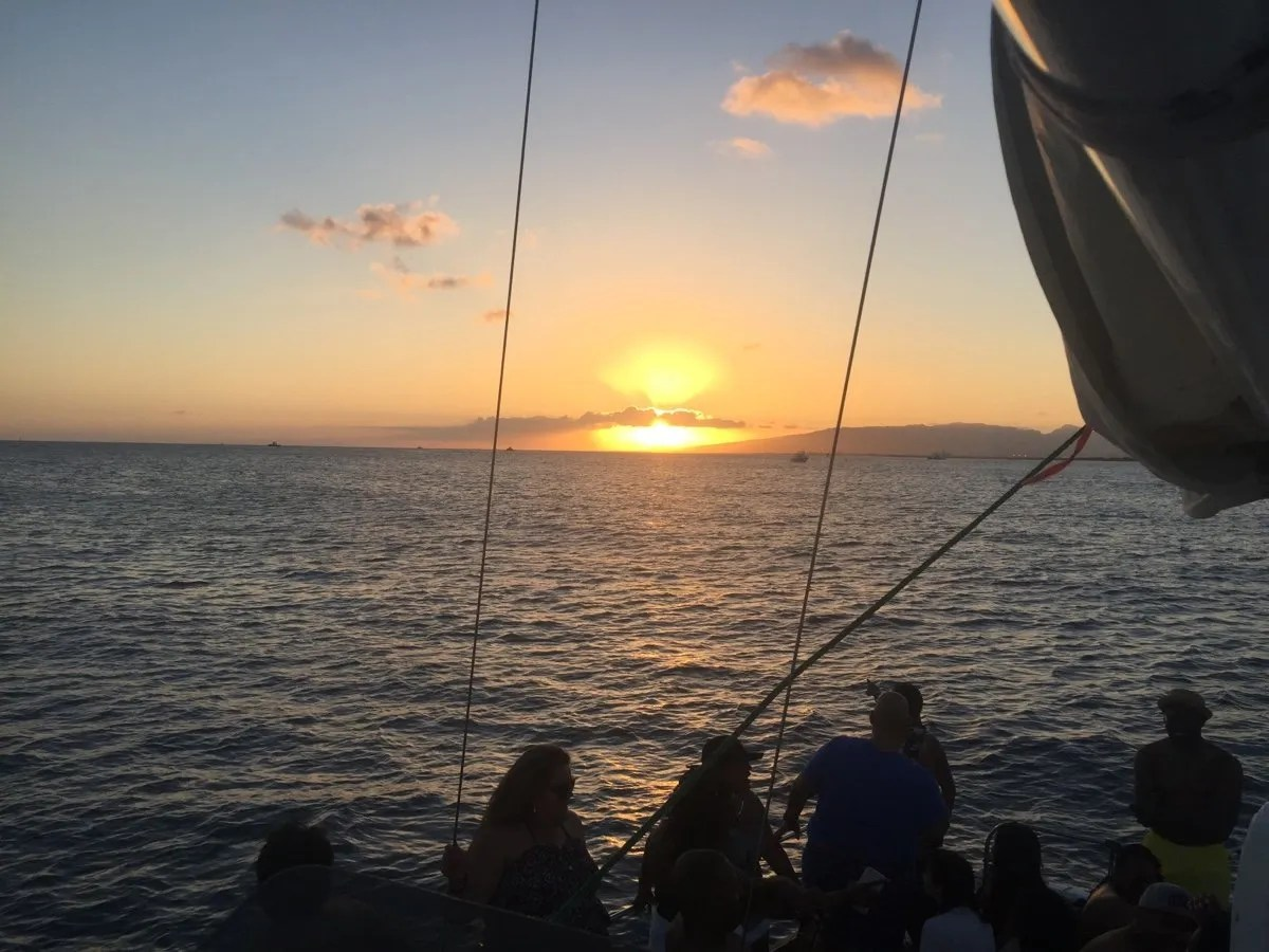 Waikiki Sunset Sailing Tours