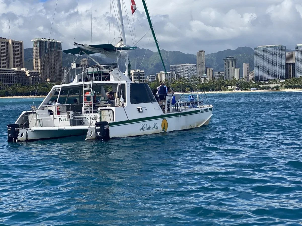 Private Tour Boat Charters In Waikiki