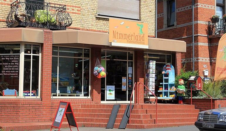 nimmerland bookstore