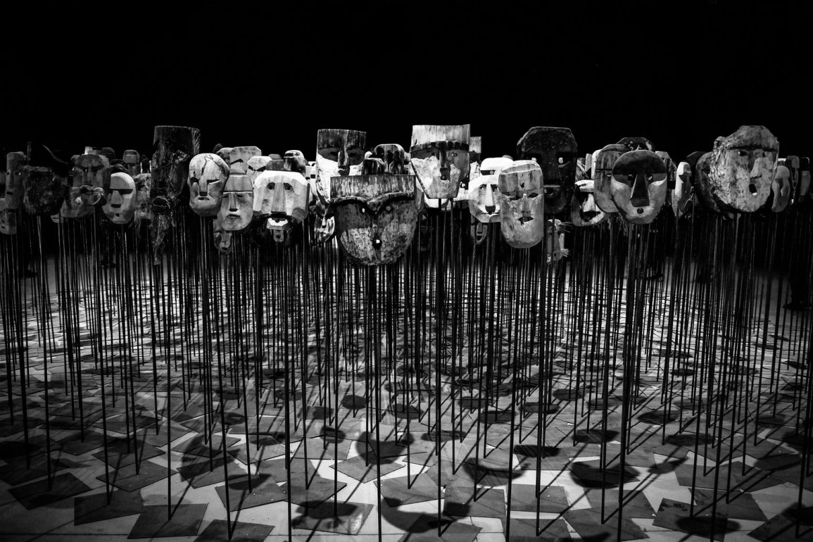 tiyatro yüzler maskeler
