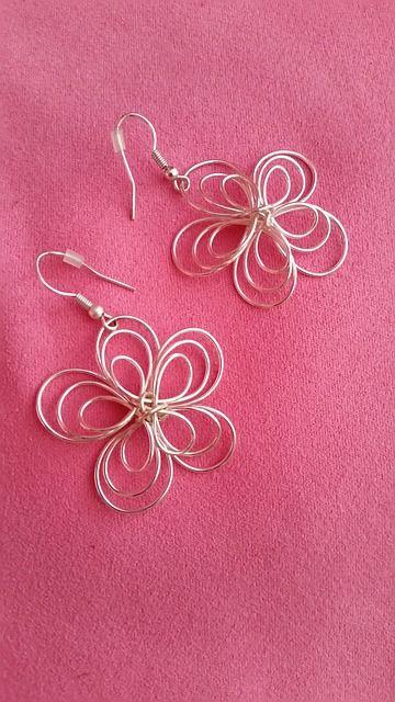 earring-1585123_640