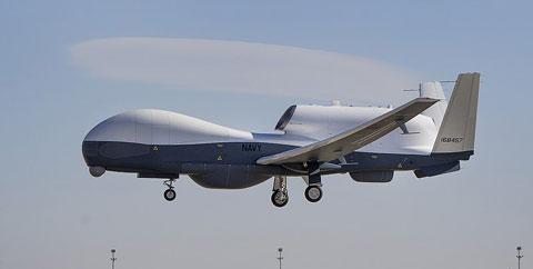 無人偵察機RQ-4グローバルホーク