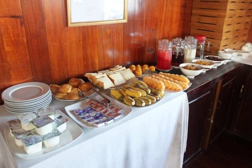 Flamingo Cruise Review- Halong Bay Cruise 2 days 1 night Breakfast Spread