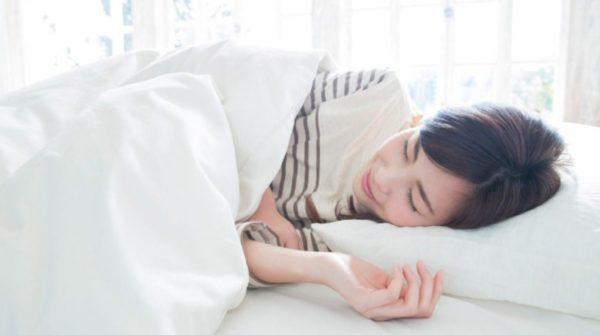 緊張型頭痛は快眠枕やタオルで症状を改善!?具体的な方法とは?