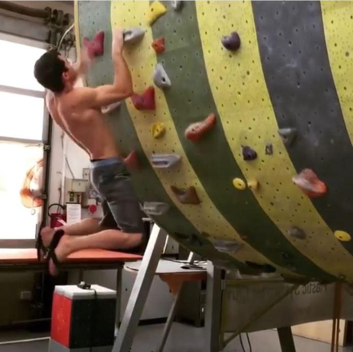Escalade No Foot