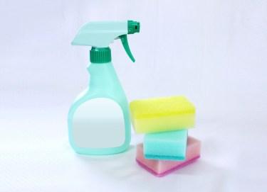 洗濯のシミ汚れは漂白剤と重曹で綺麗に!シミ抜き方法を解説