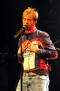 Limahl on stage, 2009 (2)