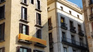 Barcelona, Catalan protests balconies.