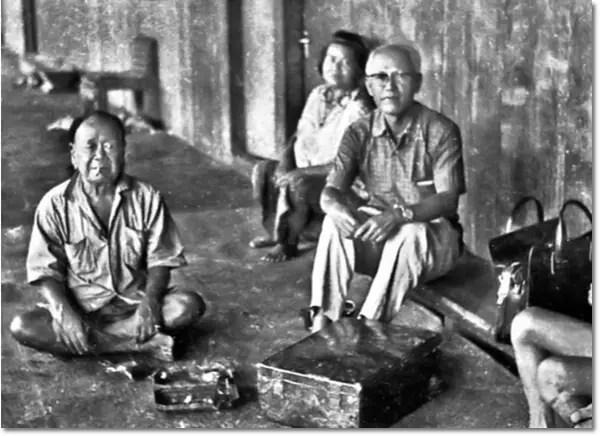 PHDing-right-with-women-of-Uma-Pako-Tubau.-20150704-AZAM-IIC