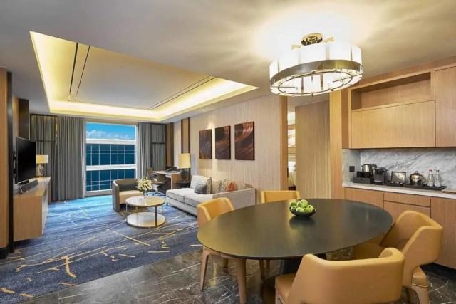 Hilton Manila #nostraws