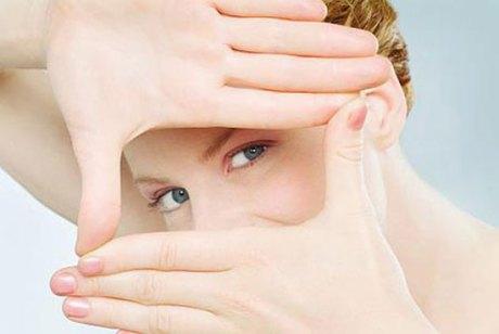 Как сделать кожу под глазамт светлее?