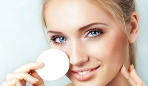 Как правильно очищать кожу лица?