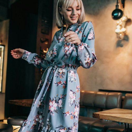 Платье серо-голубое рюши