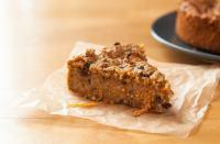 Veganer Karotten-Kuchen in der Kakaonibs-Variante - Kakaonibs