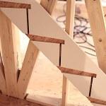 【家づくり:上棟後4week】棟梁がまさに階段を作り出すところでした❗️【現時点の困りごとも】