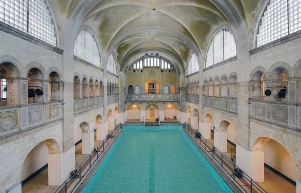 gls hotel school pool kako na master