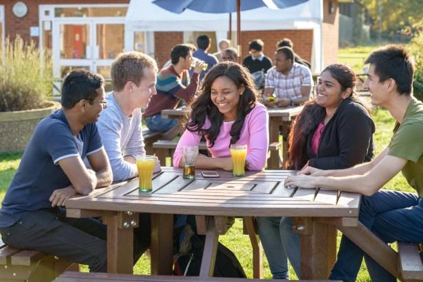 studentski život engleska cranfield.jpg