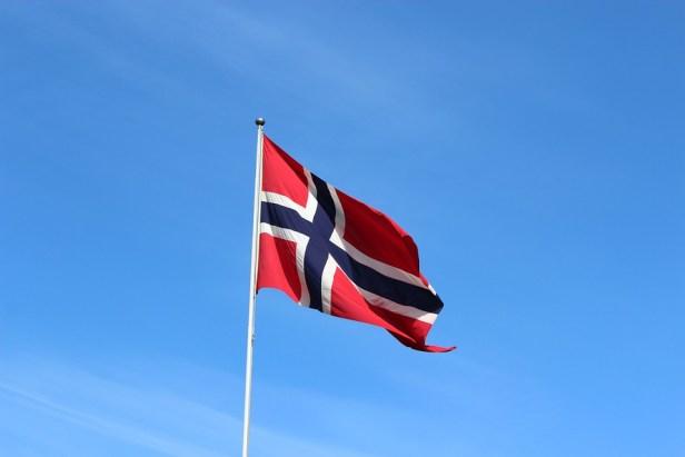 flag-3130435_960_720