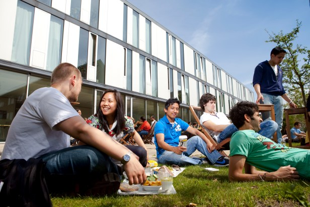 jacobs_university_group_of_students_05