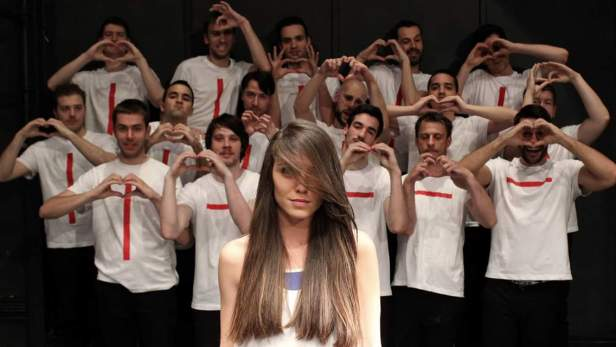 Sa glumcima predstave Crvena Samoubistvo nacije.jpg