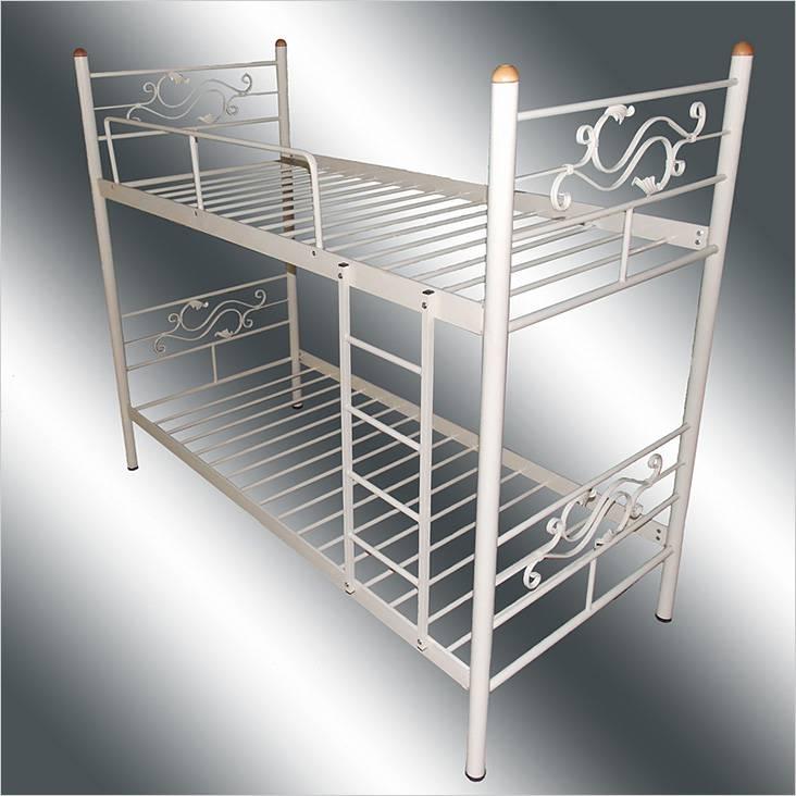 Μεταλλικό κρεβάτι με διακοσμητικά στοιχεία
