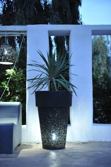 πλαστικές γλάστρες με φως