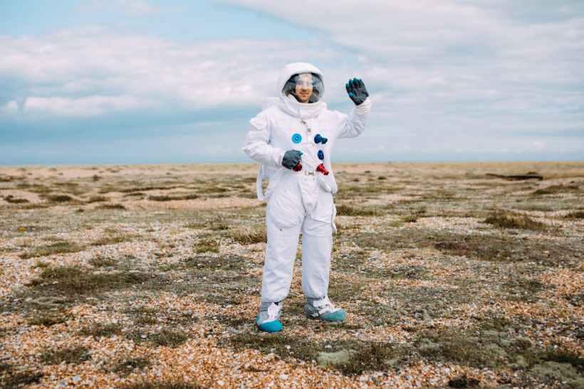 astronaut waving hello