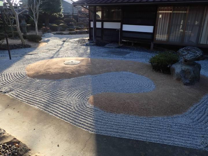 修景防草による日本庭園