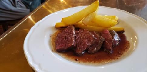 西小倉でランチ やっとランチで入れた Bistro cota 【 ビストロ コタ 】 牛肉のソテー
