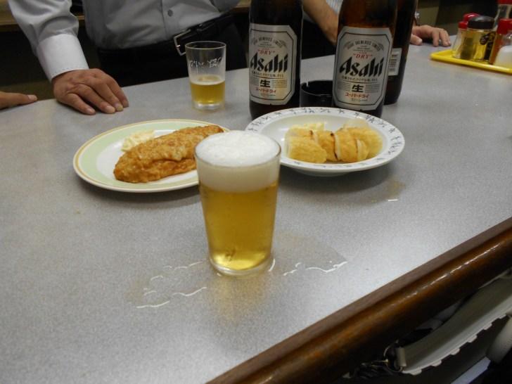 練り物 と ビールで乾杯