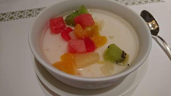 果物入り杏仁豆腐