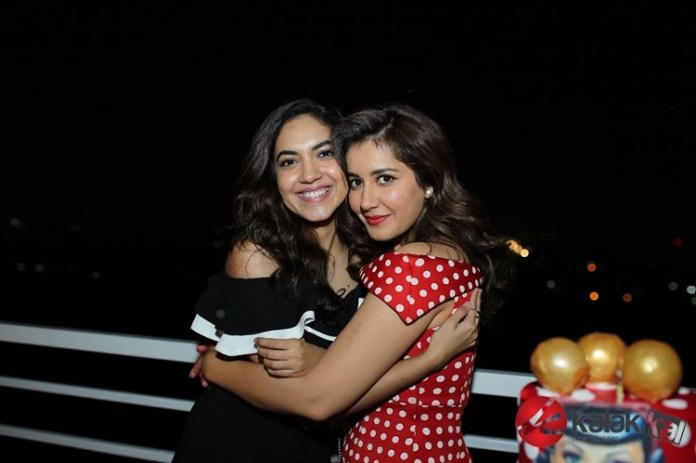 Actress Raashi Khanna Birthday Celebrations Photos