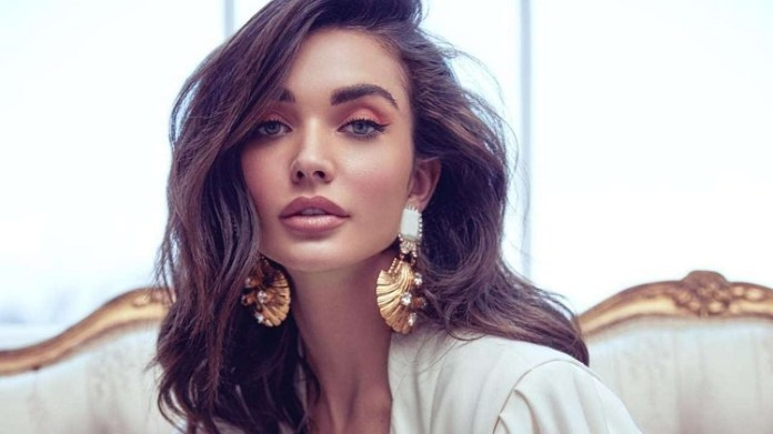 Amy Jackson's Another  Photo Goes Viral : Cinema News, Kollywood , Tamil Cinema, Latest Cinema News, Tamil Cinema News, Amy Jackson