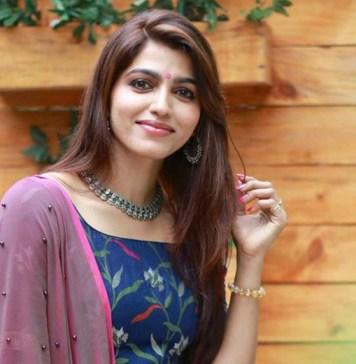 Actress Sai Dhanshika New Stills