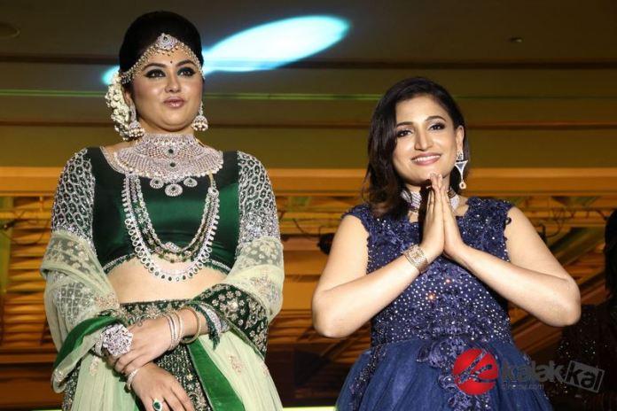 Actress Santhoshis Plush Make Up & Hair Seminar Photos
