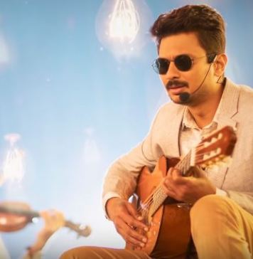 Unna Nenachu Song Lyric Video