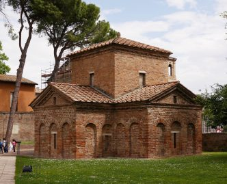Mausoleum_of_Galla_Placidia_in_Ravenna