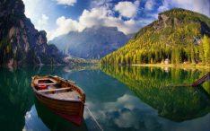 Pragser-Wildsee-or-Lake-Braies - chillandlive.com
