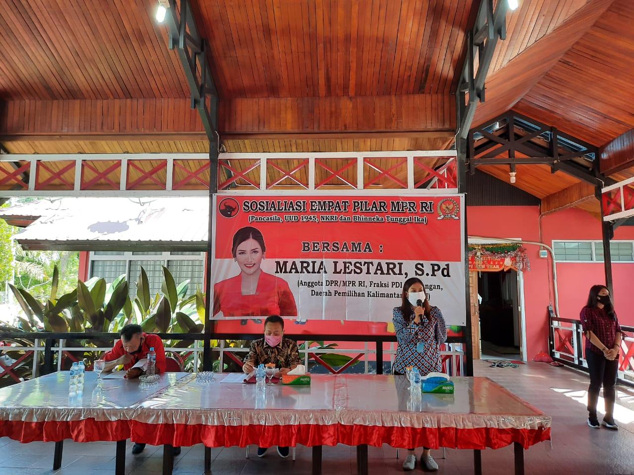 Anggota DPR/MPR RI, Maria Lestari, S.Pd Sosialisasikan 4 Pilar MPR RI Kepada Wanita Muslimah dan Kelompok Pengajian di Kota Ngabang, Kab. Landak.