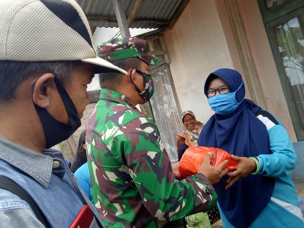 Kodim 1207/BS Gandeng PWI dan JMSI Kalbar Gelar Bakti Sosial Bantu Korban Puting Beliung