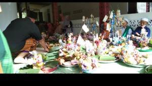 Tampak umat muslim berkumpul di Masjid Nurul Yaqin Parit Pinang Merah untuk merayakan Maulid Nabi/ISTI