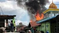 Kebakaran di Gang Kayu Manis Jeruju di kawasan pemukiman padat penduduk pada Selasa 3 November 2020 pagi sekitar pukul 09.45 WIB.