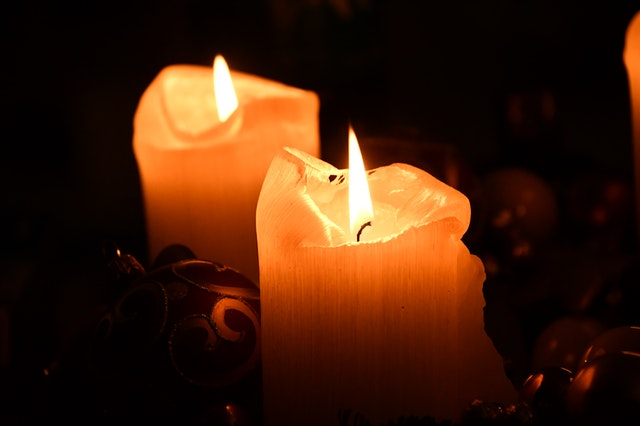 Candles. Photo by Matej Novosad.