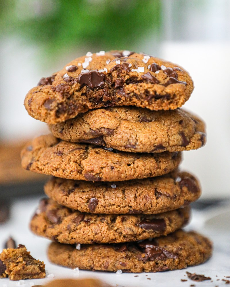 Healthier chocolate chip cookies that are made with 7 ingredients and no butter or oil! These decadent almond butter cookies are the perfect healthy treat!