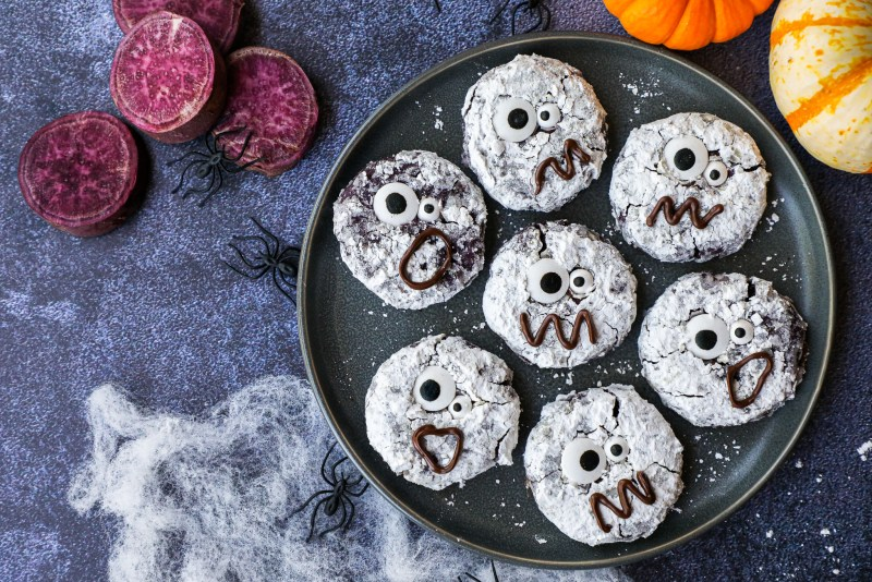 Soft, chewy and so much fun to make too! No one will ever guess these cookies are made with purple sweet potatoes and are healthier for you too!