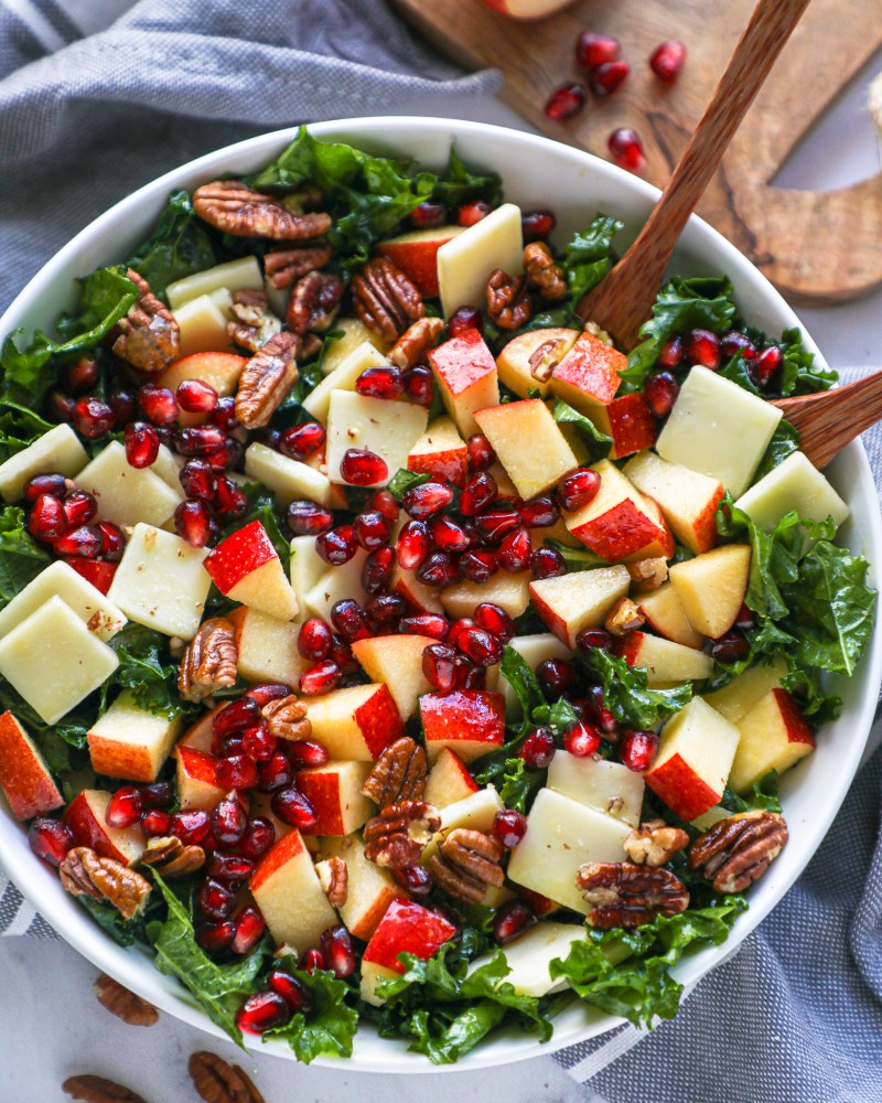 A quick and easy salad recipe that takes no time at all to make too! It's the perfect salad for sweet and savory lovers!