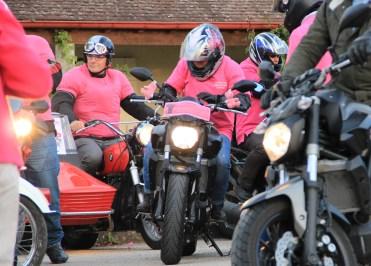 A Fontaines vendredi 7 octobre, marcheurs et motards se sont mobilisés contre le cancer