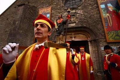Statues de Saint-Vincent à la sortie de la messe de la Saint-Vincent tournante 2017 / Photo Jean-Luc Petit