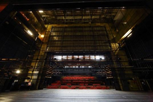 photographie du grand espace de l'Espace des arts avant rénovation