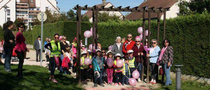 Photographie des participants à la ballade d'octobre rose de Châtenoy le roayl